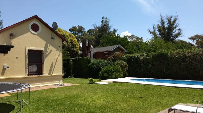 Foto Casa en Venta en  Guillermo E Hudson,  Berazategui  Carmencito