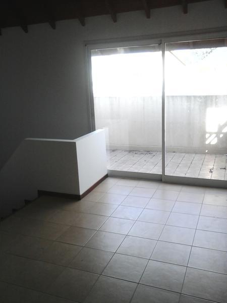 Foto Casa en Alquiler en  Adrogue,  Almirante Brown  Nother al 600