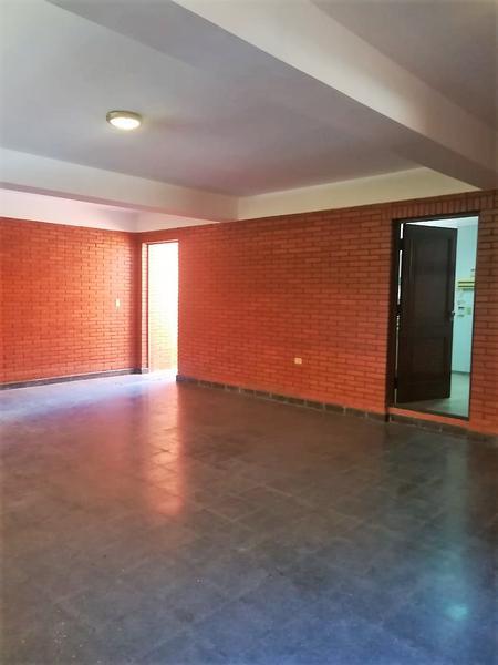 Foto Casa en Alquiler en  La Recoleta,  Santisima Trinidad  Avda. Mcal. López y Avda. República Argentina
