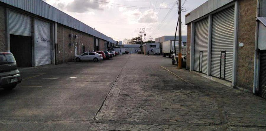 Foto Local en Renta en  Alfredo V Bonfil,  Cancún  BODEGA EN RENTA DE 650 M2 EN CANCUN EN AVENIDA COLOSIO EN PARQUE INDUSTRIAL GAIA