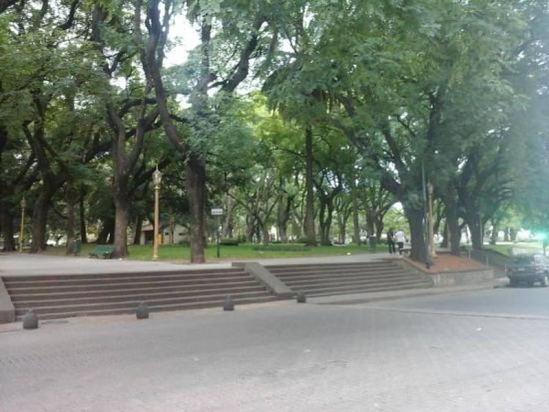Foto Local en Venta en  Retiro,  Centro (Capital Federal)  Florida  al 1000