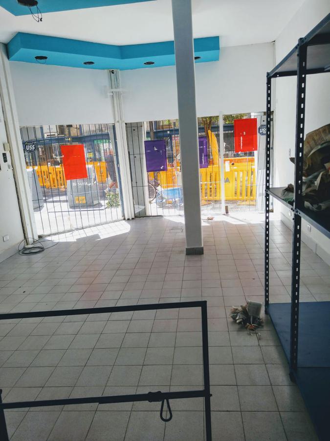 Foto Local en Alquiler en  Centro (Capital Federal) ,  Capital Federal  Suipacha al 800