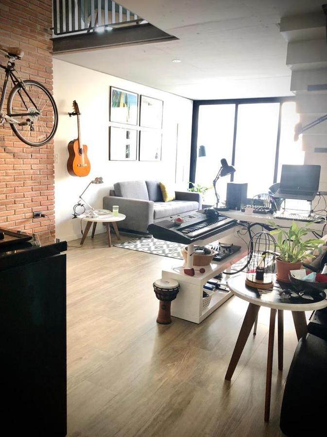 Foto Apartamento en Alquiler en  Punta Carretas ,  Montevideo  Triplex con azotea y parrillero