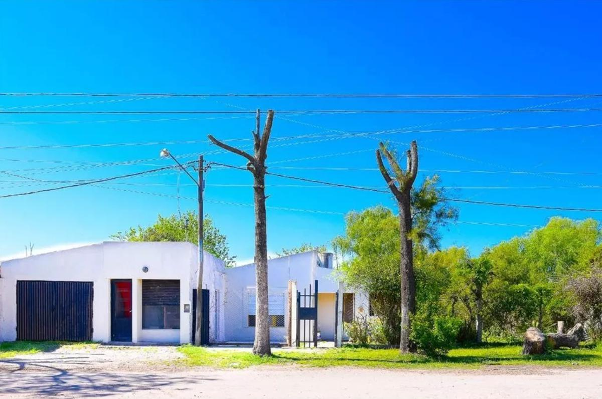 Foto Quinta en Venta en  Villa Elvira,  La Plata  607 e/ 121 y 121 bis