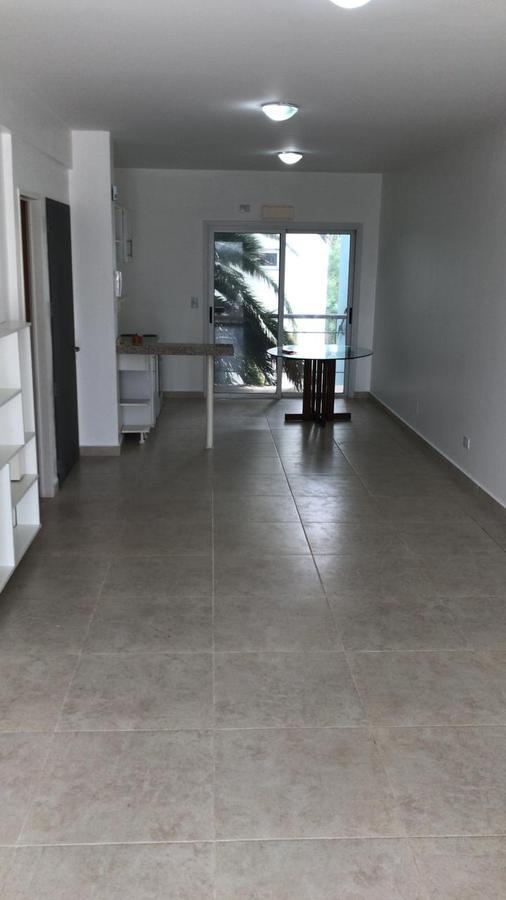 Foto Departamento en Alquiler en  S.Fer.-Vias/Centro,  San Fernando  PERON 1470 4 C