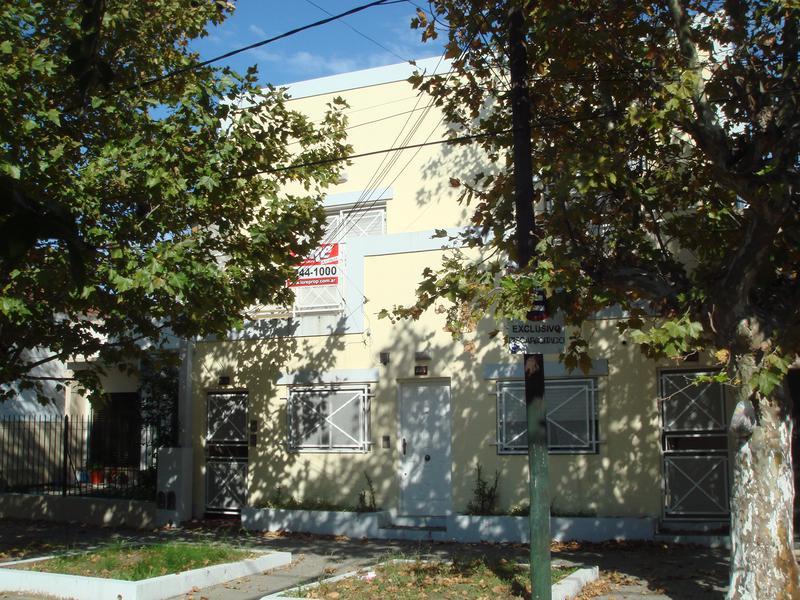 Foto Departamento en Alquiler en  Lomas de Zamora Este,  Lomas De Zamora  PINTOS al 200