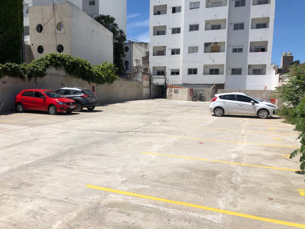 Foto Cochera en Venta en  Microcentro,  La Plata  Cocheras en  40 entre 5 y 6
