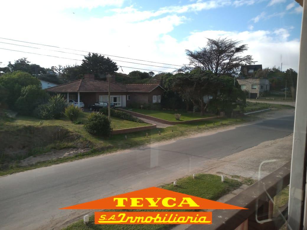 Foto Departamento en Venta en  Centro Playa,  Pinamar  Burriquetas 197