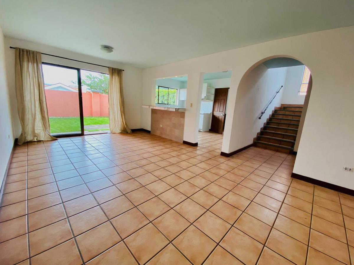 Foto Casa en condominio en Renta en  Pozos,  Santa Ana  Santa Ana / Amplia / 3 habitaciones/ amplio jardín / Pet Friendly
