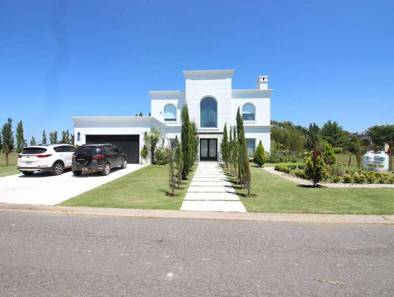 Foto Casa en Venta en  San Eliseo Golf & Country,  Countries/B.Cerrado (San Vicente)  San Eliseo Golf & Country Club