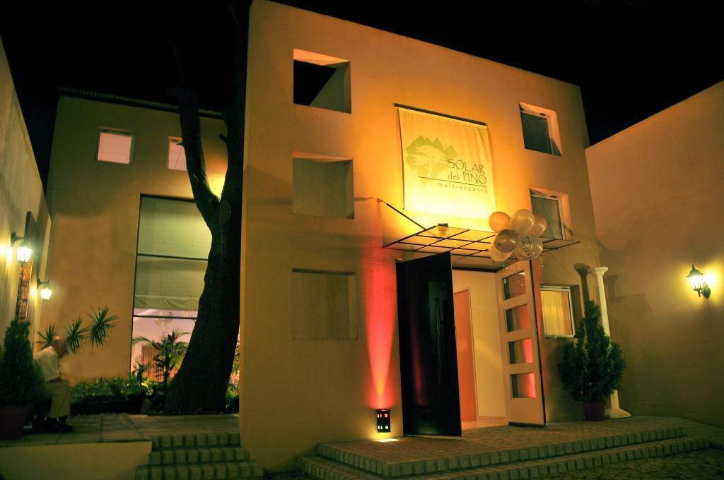 Foto Edificio Comercial en Venta en  Villa Raffo,  Tres De Febrero  Chile 1233