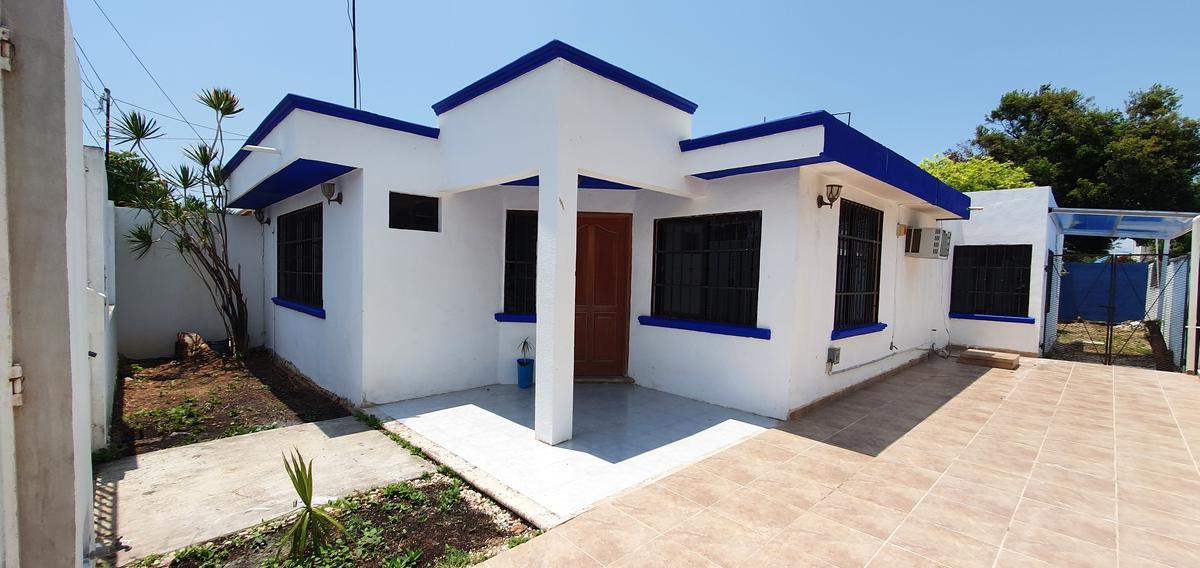 Foto Casa en Venta en  Chetumal ,  Quintana Roo  Casa 3 recamaras patio grande cerca de Insurgentes