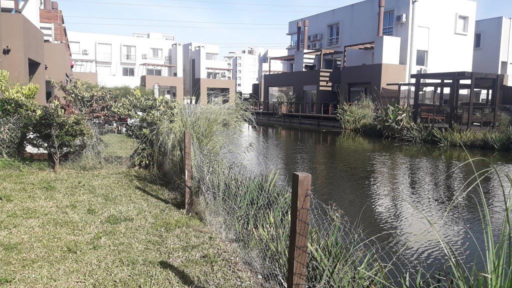 Foto Departamento en Alquiler en  Lago del Sendero,  El Sendero  Nordelta alquiler de planta baja de 3 dormitorios con jardin al  Lago!!