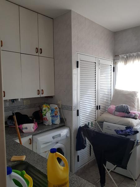 Foto Casa en Venta en  Moreno,  Moreno  Importante Chalet -Bouchard al 600 - Moreno - Lado norte