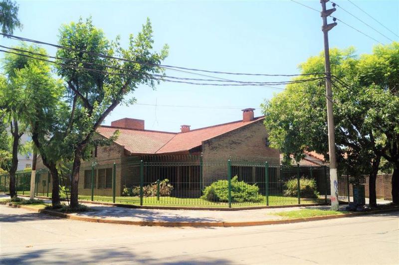 Foto Casa en Venta en  Monte Grande,  Esteban Echeverria  12 de octubre al 100