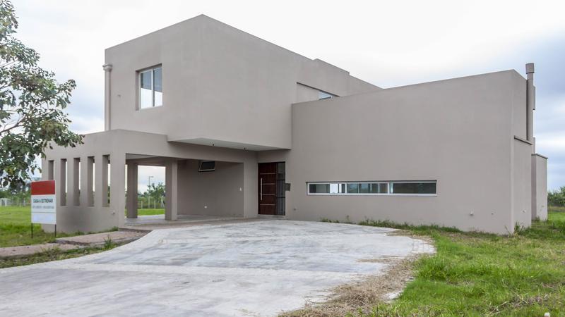 Foto Casa en Venta en  Av. Peron ,  Yerba Buena  Country Pradera