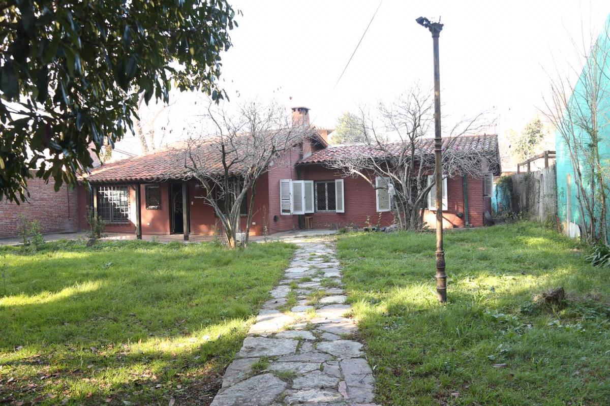 Foto Casa en Venta en  Don Torcuato,  Tigre  Bolivia al 1100