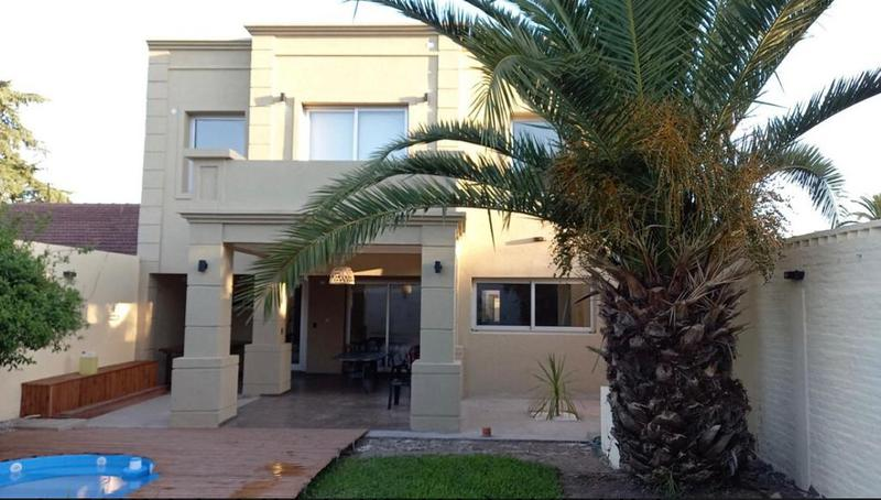 Foto Casa en Alquiler en  Burzaco,  Almirante Brown  Santa maria al 900
