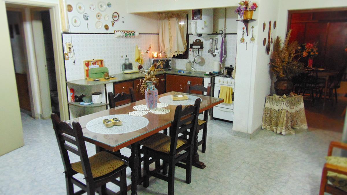Foto Casa en Venta en  General Pico,  Maraco  30 Nº 71