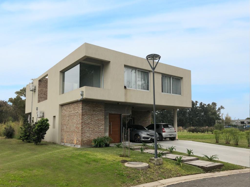 Foto Casa en Venta en Corvalan al 2300, Moreno | Countries/B.Cerrado | María Eugenia Residences & Village