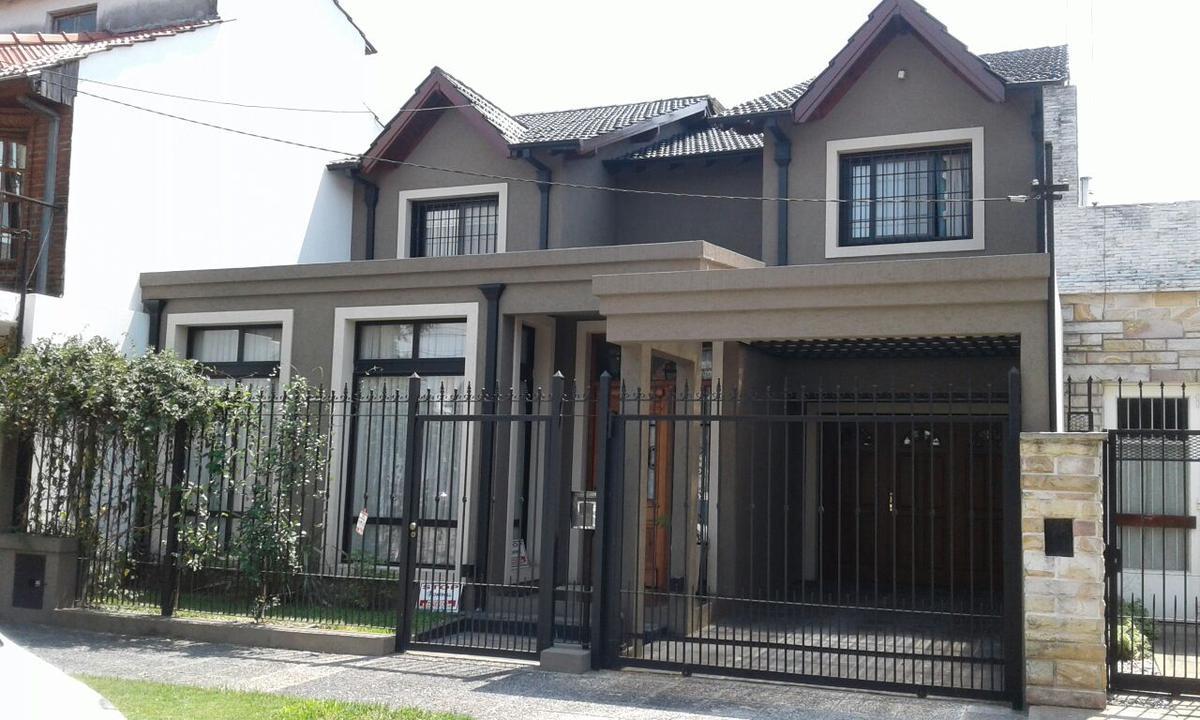 Foto Casa en Venta en Machado al 2900, G.B.A. Zona Oeste | Moron | Castelar