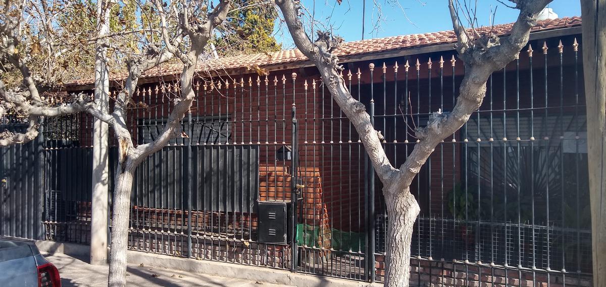 Foto Casa en Alquiler en  Capital ,  San Juan  Jose Martí al 800
