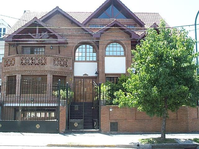 Foto Casa en Alquiler en  Barrio Vicente López,  Vicente López  Lisandro de la Torre 900