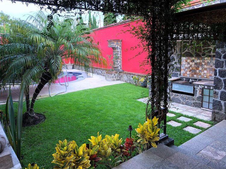 Foto Casa en Venta en  Fraccionamiento Rancho Cortes,  Cuernavaca  Residencia en Venta en Rancho Cortés