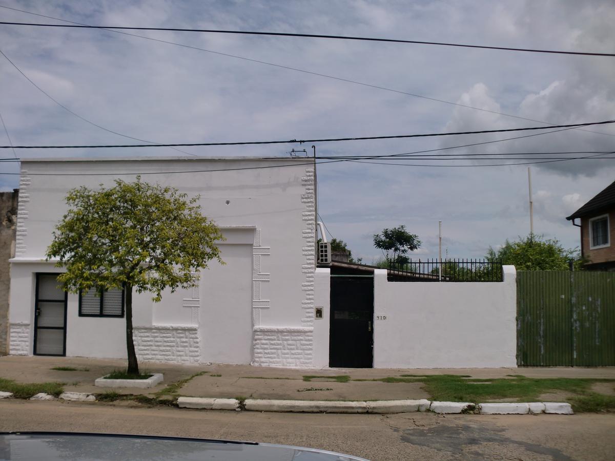 Foto Casa en Venta |  en  Concordia ,  Entre Rios  Urdinarrain al 900