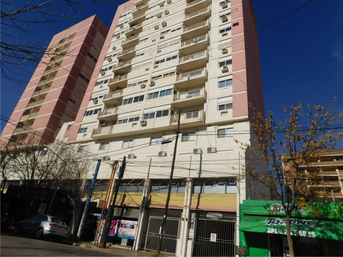 Foto Departamento en Alquiler en  Area Centro,  Cipolletti  ESPAÑA al 200