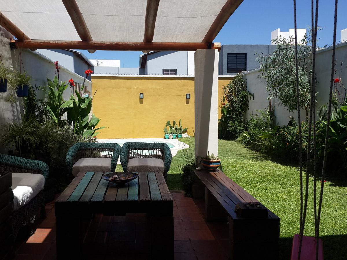Foto Casa en Venta en  Lomas del Chateau,  Cordoba Capital  DUPLEX EN LOMAS DEL CHATEAU - 3 DORM