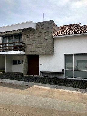 Foto Casa en condominio en Renta en  Santiaguito,  Metepec  CASA EN VENTA O RENTA EN METEPEC, RESIDENCIAL AMPHITRITE