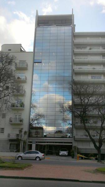 Foto Oficina en Alquiler en  Punta Carretas ,  Montevideo  Oficinas en un lugar  Privilegiado