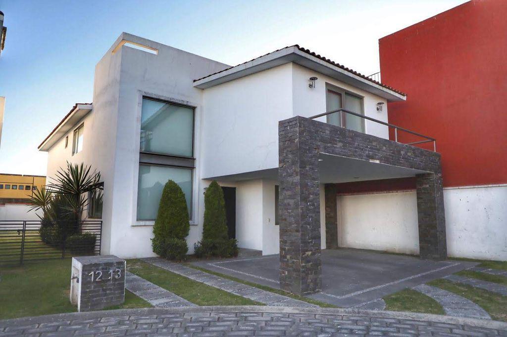 Foto Casa en Renta en  Metepec ,  Edo. de México  CASA EN RENTA RESIDENCIAL BARCENAS