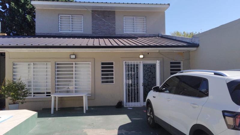 Foto Casa en Venta en  Moron Sur,  Moron  Consejal Ramella al 2300