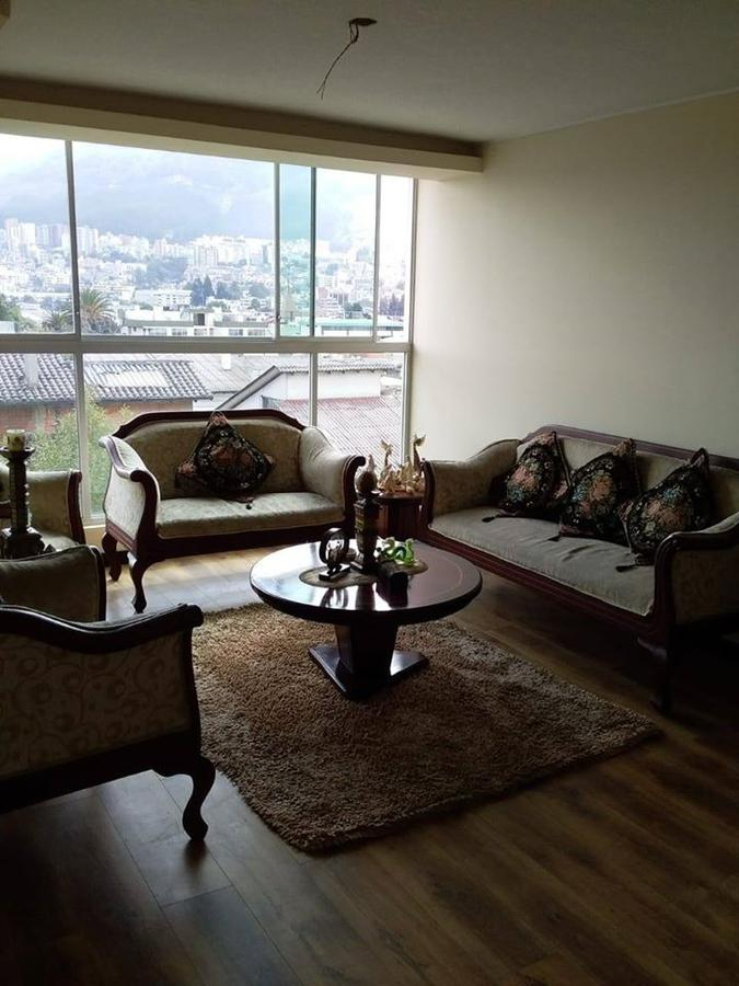 Foto Departamento en Venta en  Norte de Quito,  Quito  Vendo departamento 3 dormitorios 2 parqueaderos sector El Inca