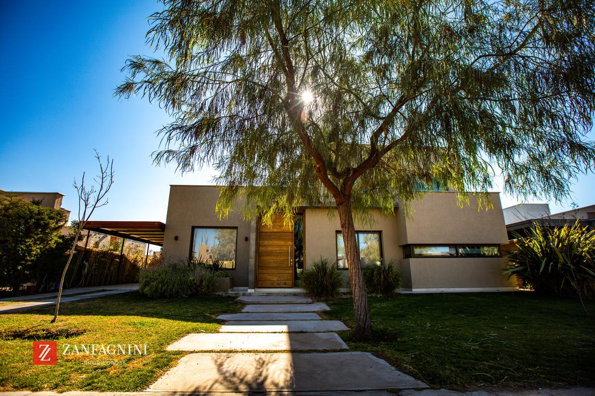Foto Casa en Venta en  Maipu ,  Mendoza  Lar de Vieytes 1