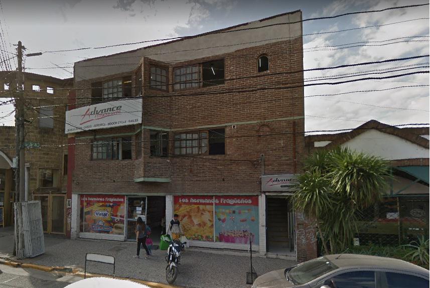 Foto Local en Alquiler en  Centro (Moreno),  Moreno  Bartolome Mitre al 2500