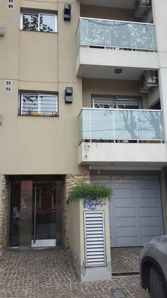 Foto Departamento en Alquiler en  Lomas De Zamora,  Lomas De Zamora  Saenz  785