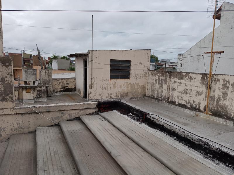 Foto PH en Venta en  Valentin Alsina,  Lanús  LA RIOJA al 400