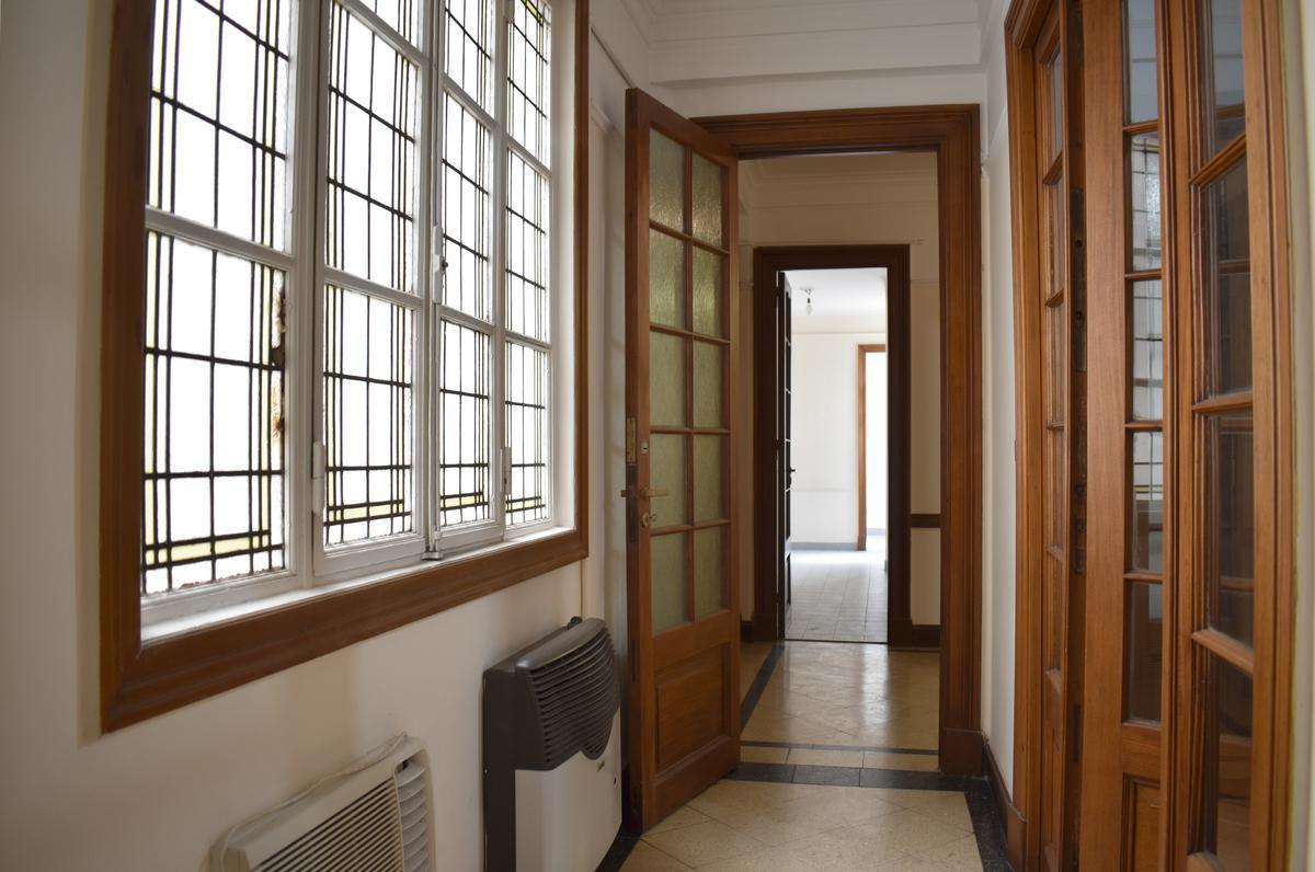Foto Oficina en Alquiler en  Monserrat,  Centro (Capital Federal)  Av.Rivadavia al 700 , 5°24