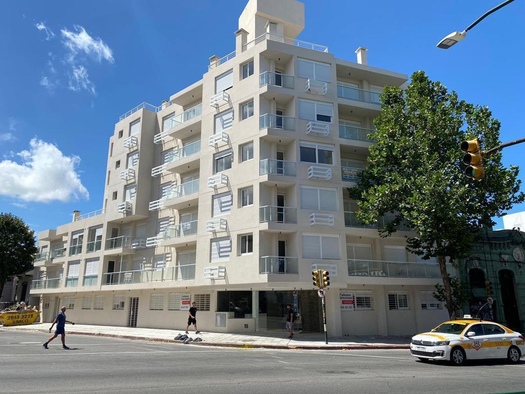 Foto Departamento en Venta en  Bella Vista ,  Montevideo  Bella Vista