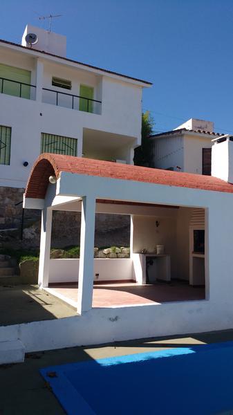 Foto Casa en Venta en  Villa Carlos Paz,  Punilla  chubut