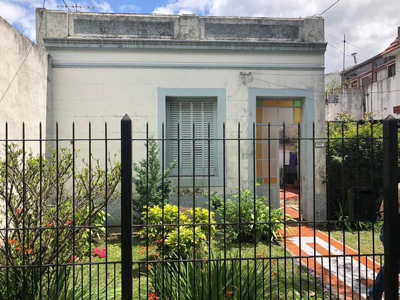 Foto Casa en Venta en  Ituzaingó Norte,  Ituzaingó  Trole al 900