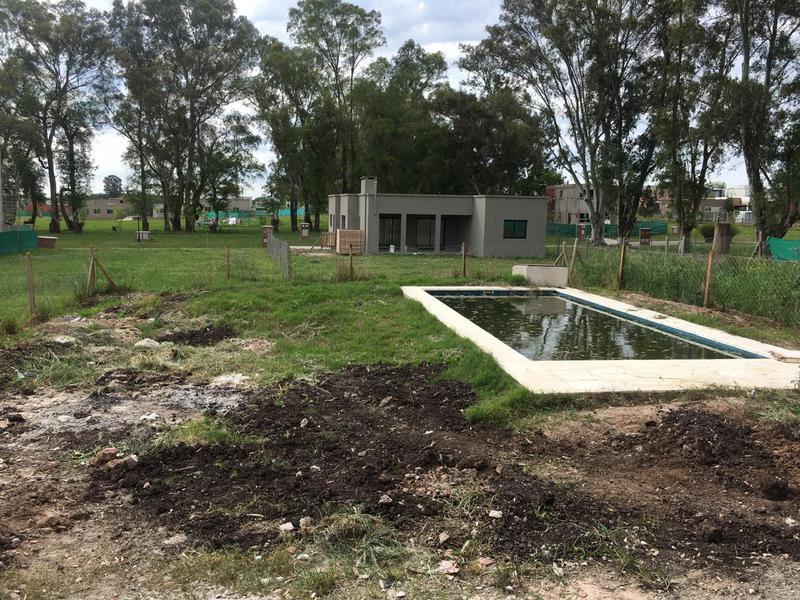 Foto Casa en Venta en  Pilar Del Este,  Countries/B.Cerrado (Pilar)  Caamaño al 900