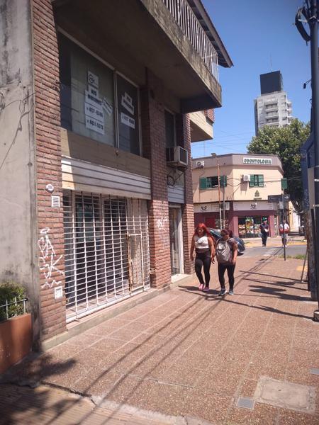 Foto Local en Alquiler en  San Miguel,  San Miguel  AV. PTE. PERÓN al 1900