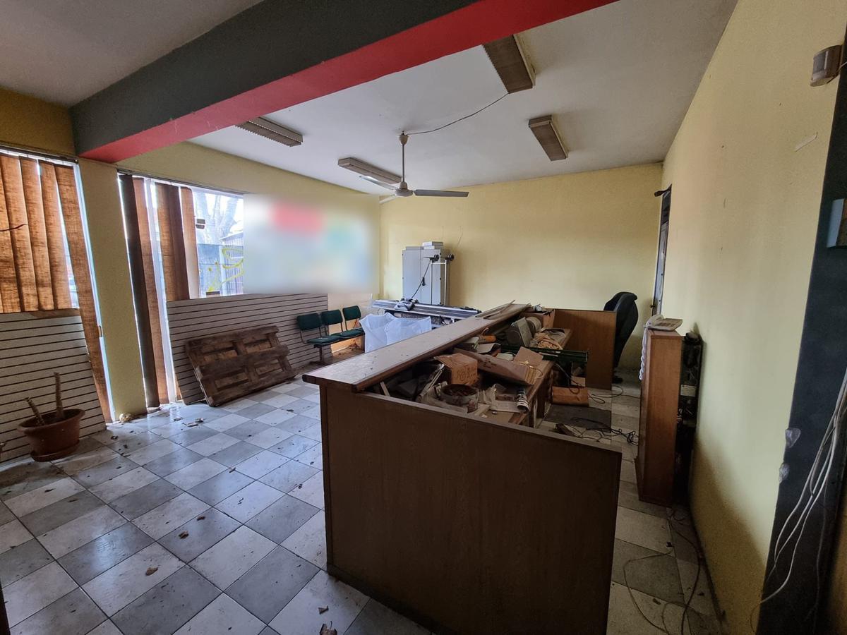 Foto Depósito en Alquiler en  Brazo Oriental ,  Montevideo  San Martin casi Propios