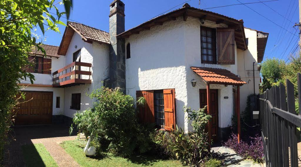 Foto Casa en Venta en LUIS DOMINGUEZ al 3400, Argentina | G.B.A. Zona Oeste | Moron