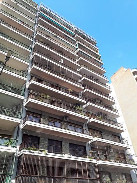 Foto Departamento en Alquiler en  Caballito ,  Capital Federal  Av. Rivadavia 5900