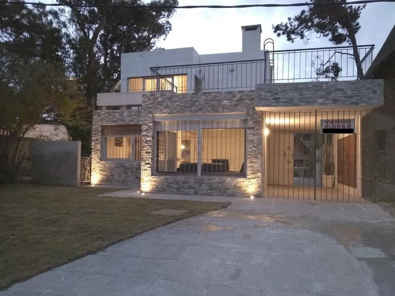 Foto Casa en Alquiler temporario en  Playa Mansa,  Punta del Este  Calle Torres Garcia prda 16